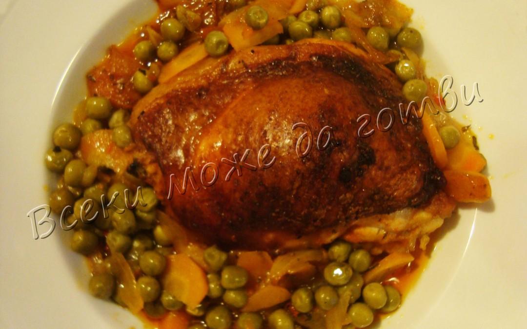 Вкусни пилешки бедра с грах на фурна