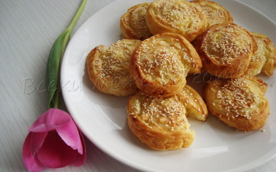 Бързи сиренки от бутер тесто