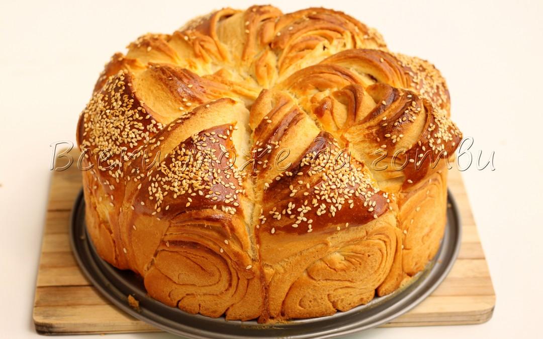 За начинаещи кулинари: Така се прави пухкава и ароматна питка със сусам