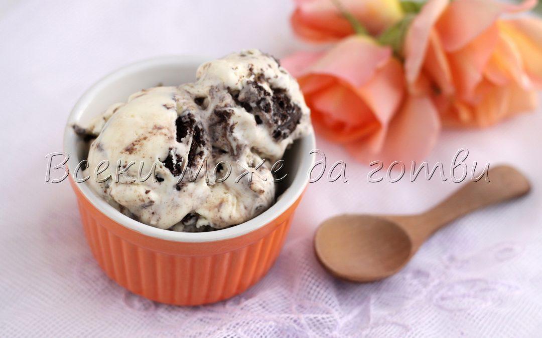 Домашен сладолед с хрупкави бисквити – лесна рецепта за всеки