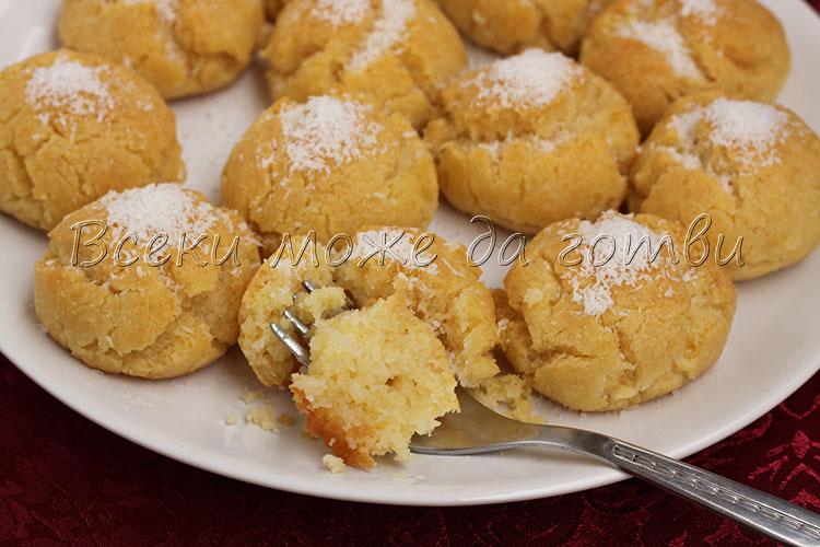 сиропирани сладки с кокос