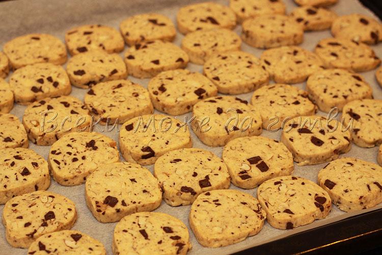 бисквити с шоколад