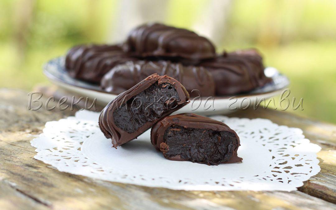 Най-вкусното шоколадово брауни с 4 съставки (БЕЗ печене)