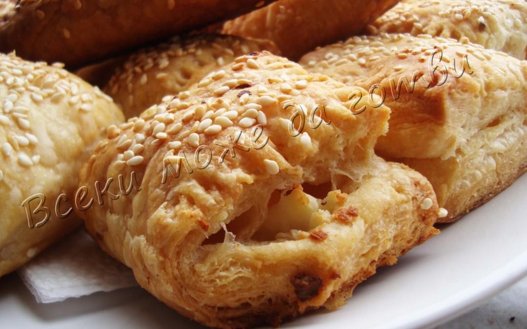Най-бързата закуска – бутерки със сирене и сусам