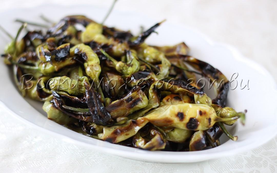 ХИТ рецепта: Салата от чорбаджийски чушки