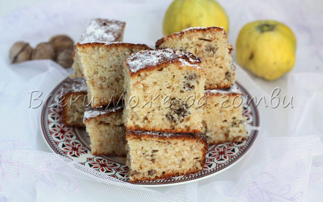 Сочен и ароматен кекс с дюли и орехи (най-сполучливата рецепта)