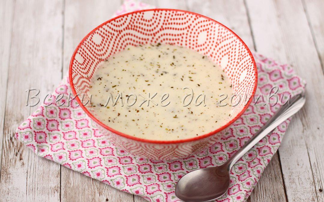 Сгряваща млечна супа с ориз – готова е за 20 минути